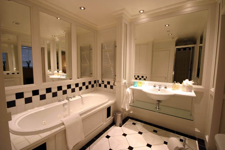 The York  - Bathroom | Duke House | City Centre Boutique Bed and Breakfast | Duke House, Cambridge, UK